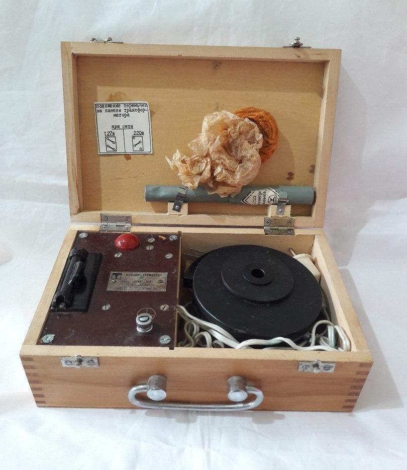 Столик-термостат к микроскопу фото